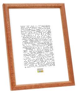 Smalle houten fotolijst in bruin